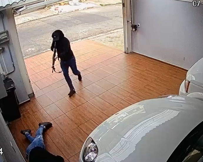 Automatic rifle assassination