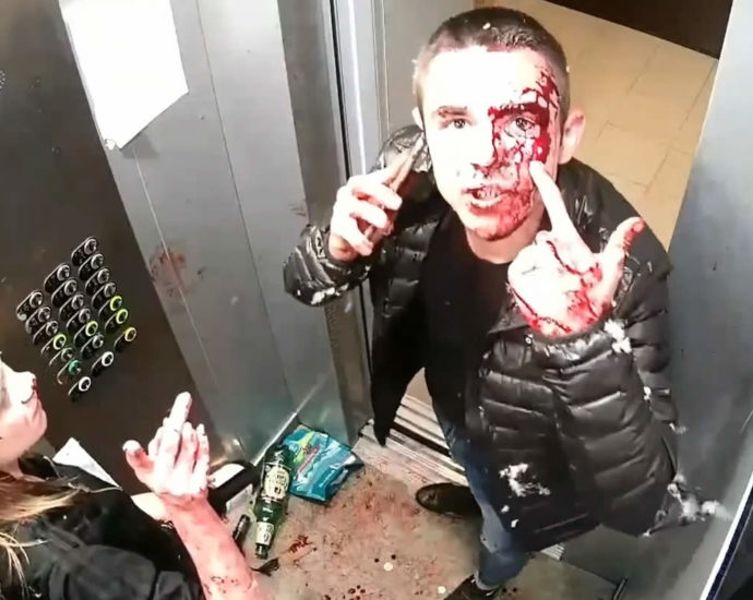 Yekaterinburg. Elevator fight