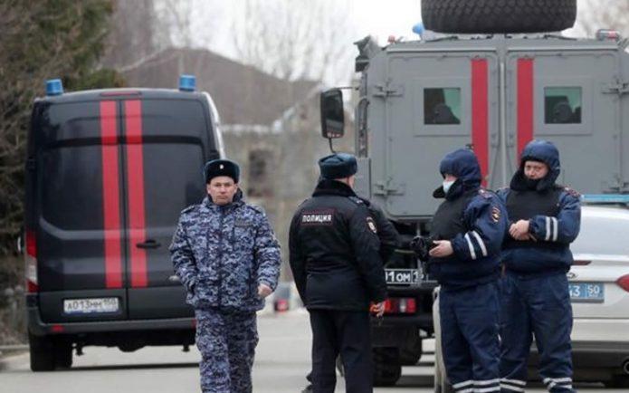 Mytishchi shooter. Police cordon of the village of Novye Veshki